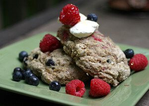 Red, White and Blueberry Quinoa Scones {vegetarian, whole food}: This Week's Cravings {Red, White and Blue}