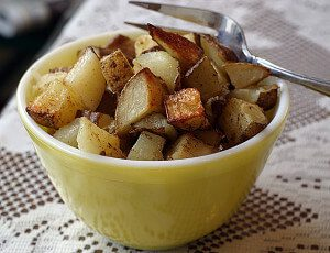 Mustard and Garlic Roasted Potatoes #vegan