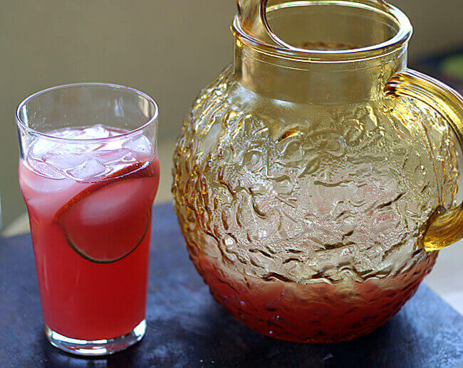 15 Delectable Drinks for Girls' Night In!