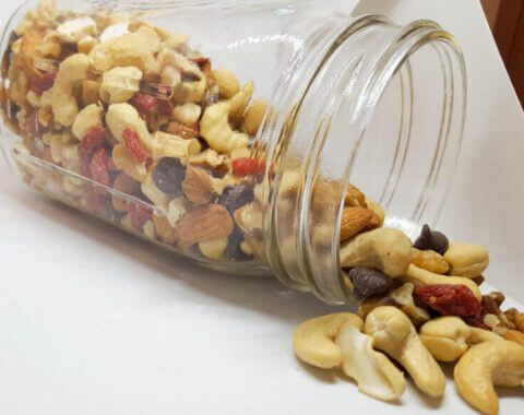 Trail Mix with Ningxia Wolfberries | @VeggieConverter